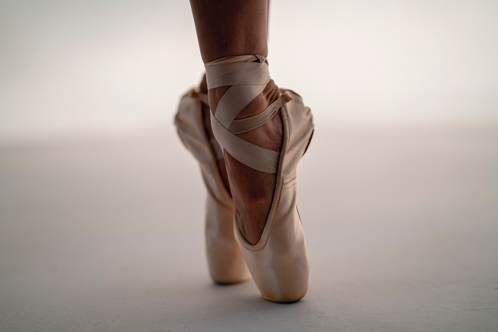 ballet shoes on pointe